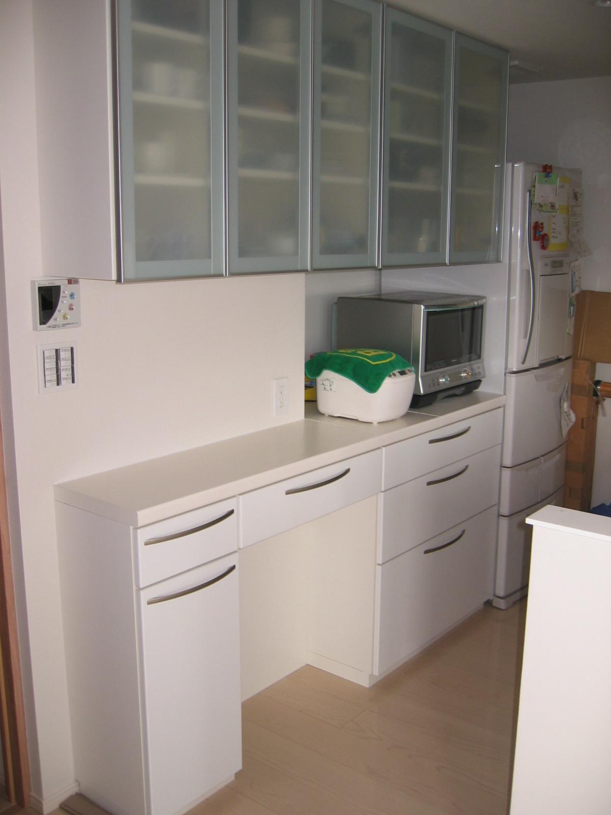 セパレート食器棚 トップページ  製作事例4 オーダー食器棚.com